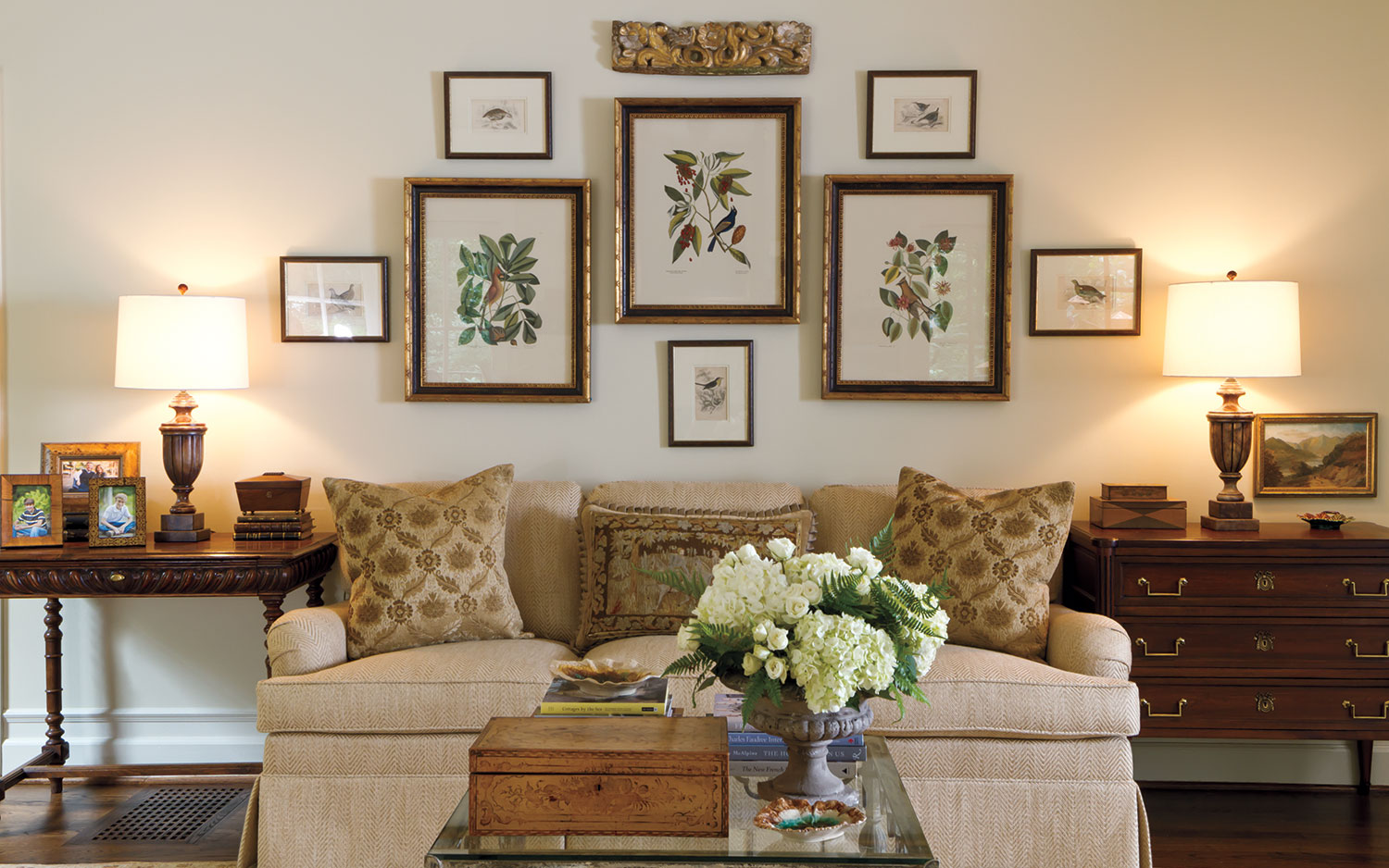 old style living room ideas designs for tables gracious groupings: tips decorating halls and walls ...