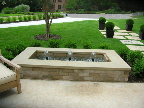 outdoor water feature landscaping