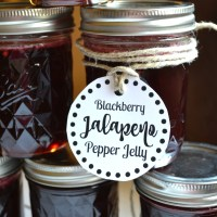 Blackberry Jalapeno Pepper Jelly + Free Printable