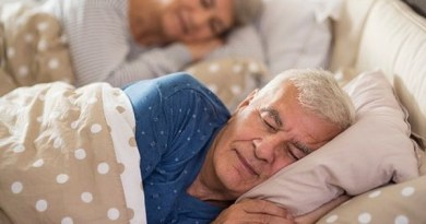 Old-Person-sleeping