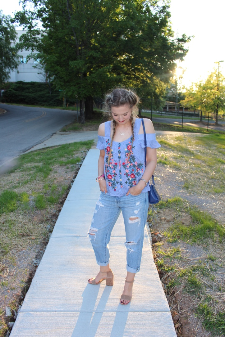 Boyfriend jeans for summer nights