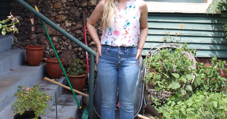 Styling cropped jeans for summer