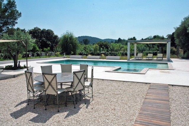 cote d'azur stone villa to rent with pool near toulon.