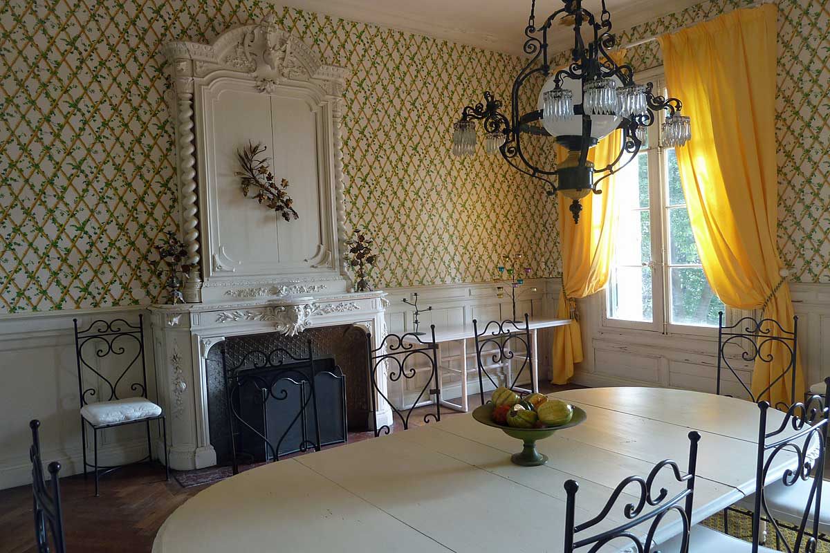comfortable sofa for living room fulton chateau in languedoc sleeps 18 people, with private pool ...