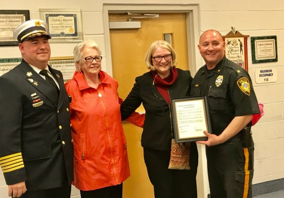 From left: Mt. Ephraim Fire Chief Brian Gilmore, Kitsey Krause, Joann Wright, Brian Gilmore, Joann Wright, and Police Chief Brian Conte.