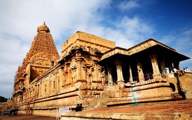 Thanjavur Brihadeeshwara Temple