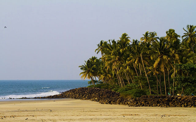 Andhakaranazhi beach in Kochi, Kerala