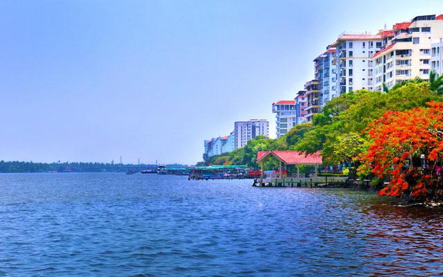 A scenic view of Kochi Marine Drive