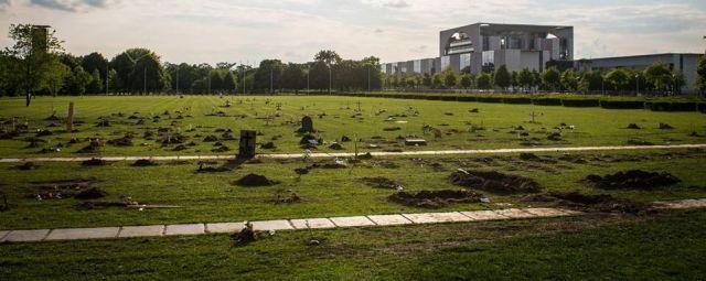 Friedhof vor dem Reichstag in Berlin