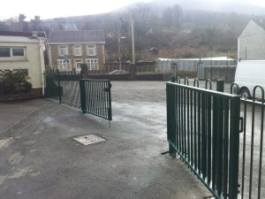 jacksons-anti-necktrap-railings-cwmgrach-1