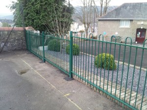 jacksons-anti-necktrap-railings-cwmgrach-3