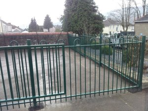 jacksons-anti-necktrap-railings-cwmgrach-4