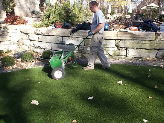 artificial-grass-installer