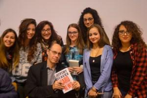 """il grande scrittore di thriller Jeffery Deaver incontra gli studenti del Liceo """"E. Fermi"""" di Catanzaro"""