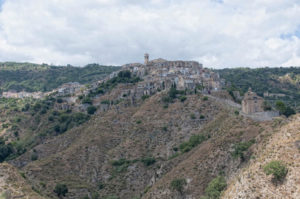badolato-panorama-da-sud-est-2015