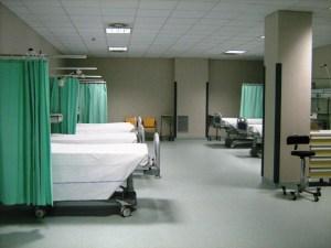 Rapinato un medico durante la visita in ospedale