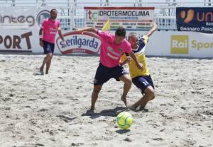 La Calabria abbraccia il top del beach soccer