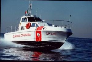 Recuperato cadavere nel porto di Crotone, probabile suicidio