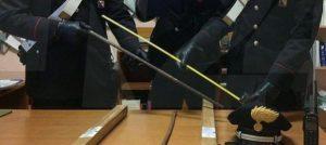 Minacciano extracomunitari con spranghe di ferro, due giovani denunciati