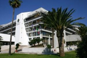 Consiglio regionale, ovvero la Calabria si fa sempre ridere dietro