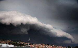 """Maltempo, Arpacal: """"Allerta Meteo rossa e arancione in Calabria"""""""
