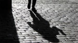 Torre di Ruggiero – Maltratta ex e figlia minorenne, 64enne arrestato