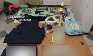 Armi e oggetti per rituali di affiliazione alla 'Ndrangheta, due fratelli arrestati