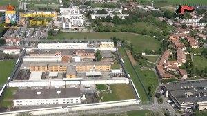 """Trattamenti di """"favore"""" a imprenditore, arrestato ex direttore del carcere di Bergamo"""