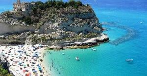 Affittava case vacanza a Tropea ma era una truffa, 28enne denunciato