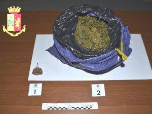 Trovato con 1 Kg di cannabis in auto, 49enne arrestato