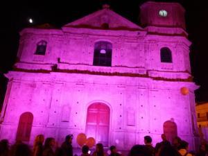 La sede del Comune e il Duomo di Borgia si tingono di rosa nel nome della lotta al tumore al seno