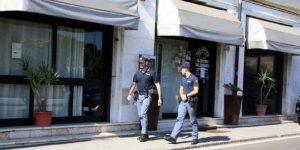 Armi in una pizzeria di Brescia, arrestato un calabrese