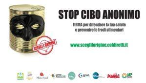 """A Catanzaro prosegue la raccolta firme dei giovani Coldiretti per la petizione """"Stop al cibo anonimo"""""""