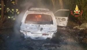 Auto in fiamme a S. Andrea Jonio, indagini in corso