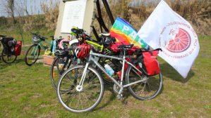 """La Ciclostaffetta della Pace """"In bici da Roma a Riace"""" farà tappa anche a Badolato"""