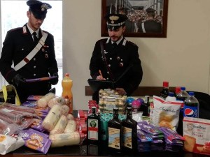 Furti nei supermercati, arrestate tre donne