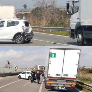 Incidente stradale sulla Statale 106