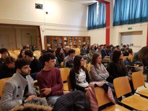 """Chiaravalle, l'agricoltura tra studio e lavoro per gli studenti del """"Ferrari"""""""