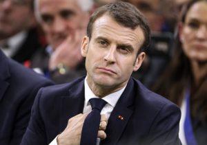 Macron, la lettera e le due uova
