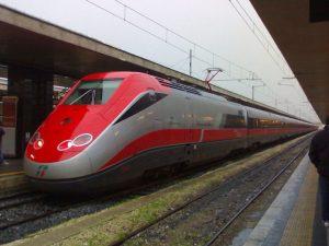 """Per """"combinazione"""" un Frecciarossa ETR500 arriva in Calabria, stupore tra i passeggeri"""