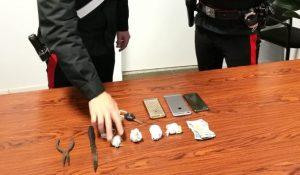 Spacciava al parco,  53enne arrestato dai carabinieri