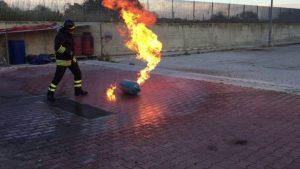 Bombola del gas squarciata da un tagliaerba, tragedia evitata