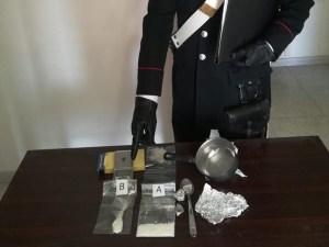 Satriano – Lancia cocaina dall'auto, 44enne arrestato