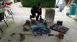 Furto di arnesi da lavoro nel catanzarese, carabinieri recuperano bottino
