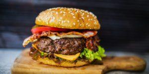 Lo studio: salumi e hamburger causano più morti del fumo