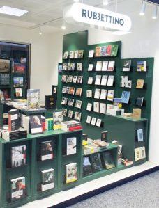 Inaugurato all'aeroporto di Lamezia Terme il bookstore Rubbettino