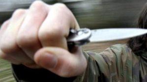 Ubriaco con un coltello minaccia passanti e carabinieri, arrestato