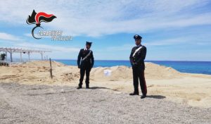 Colata di calcestruzzo su un'area demaniale marittima, 47enne denunciata