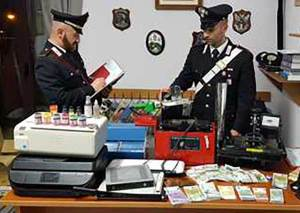 Scoperto un laboratorio di banconote false, 27enne arrestato