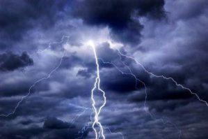 """Maltempo: ancora pioggia e temporali sulla Calabria, allerta """"gialla"""""""